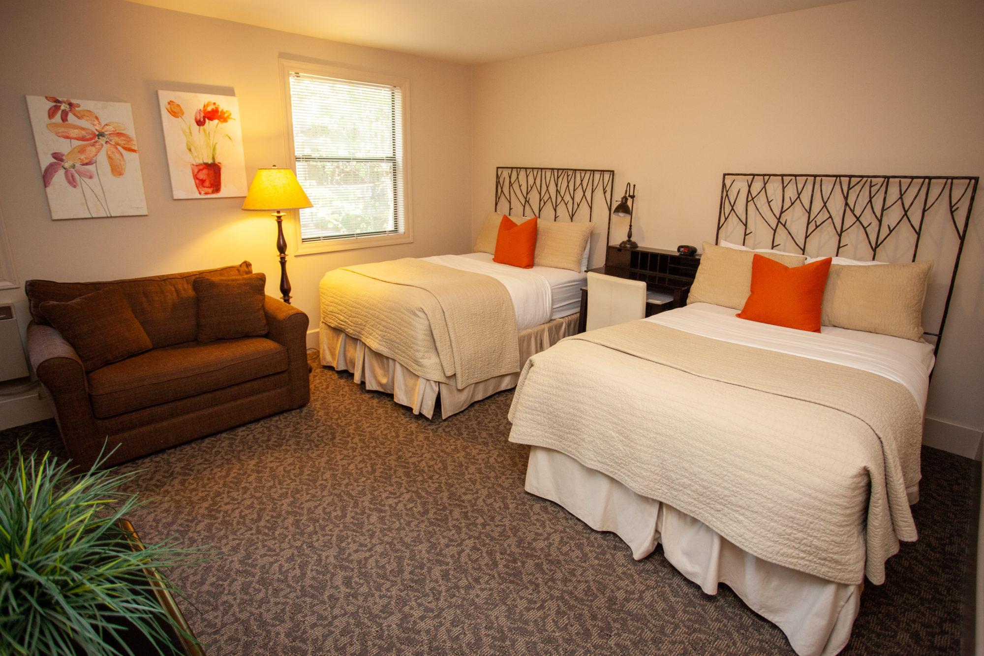 Basic Double Beds w/ Hideaway